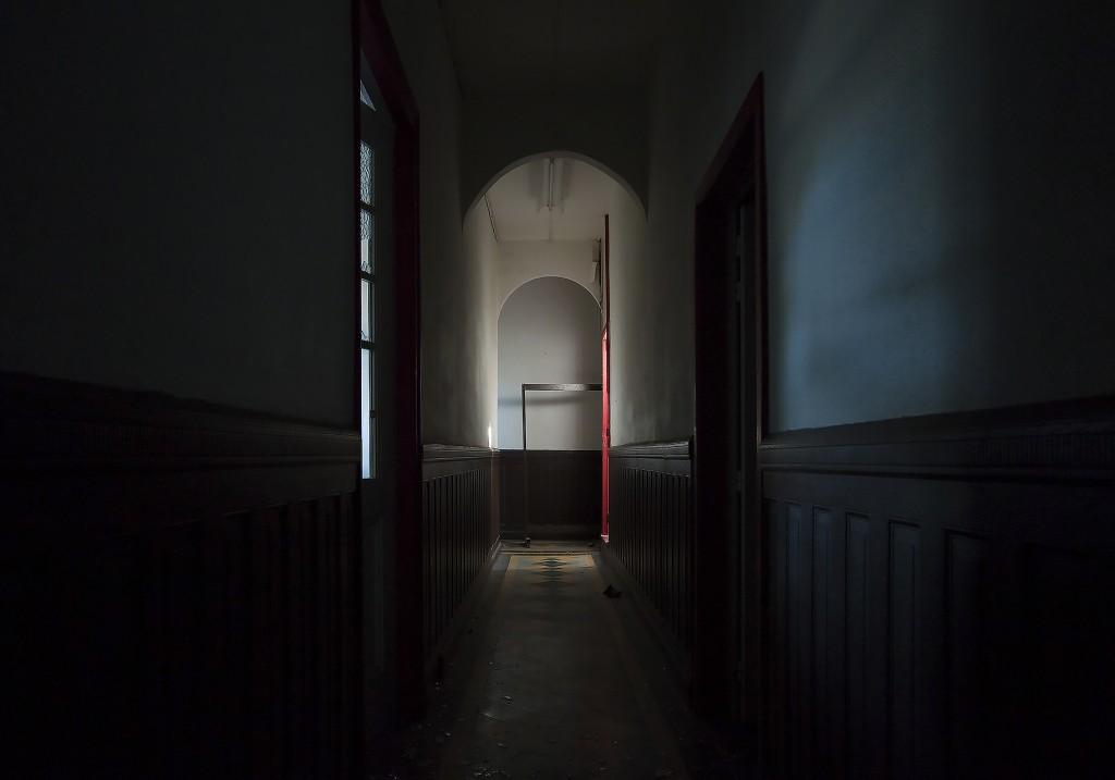 Anne Nobels, een verlangen naar licht, knarsend